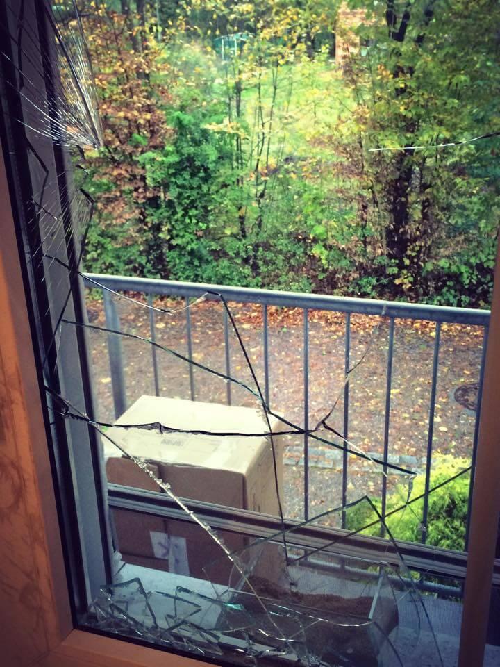 Einbruch Auloh, kaputtes Flurfenster